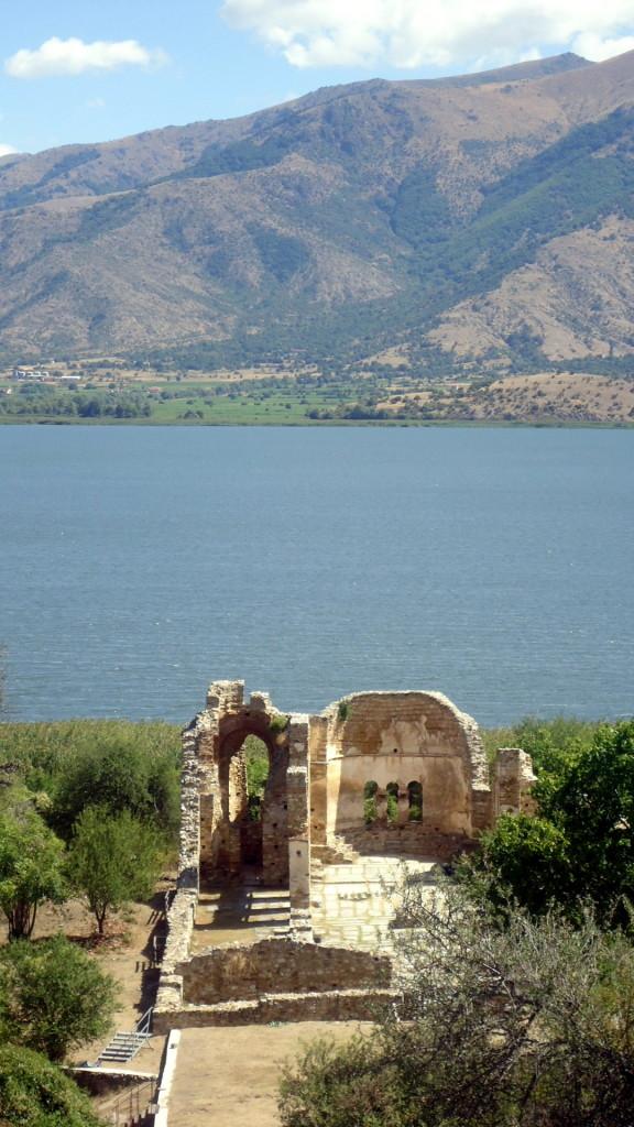 Prespa. Basilica di Hagios Achillios.