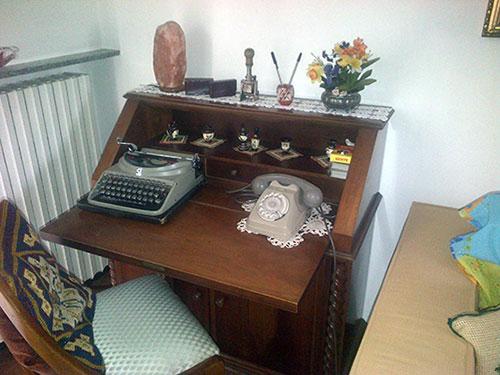 macchina da scrivere, telefono, vintage